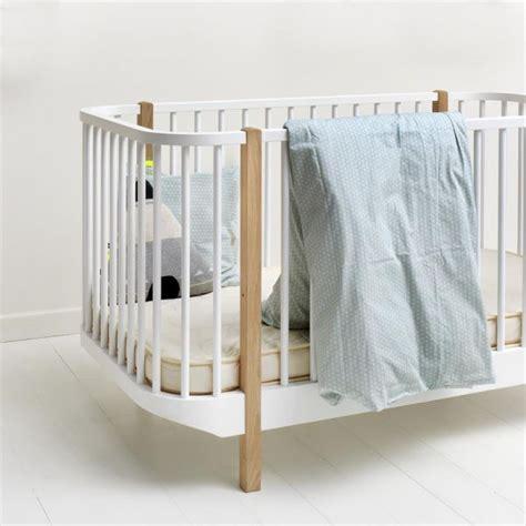 lit bebe evolutif design lit b 233 b 233 233 volutif en bois massif design scandinave oliver furniture