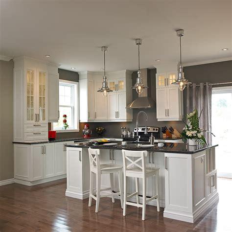 fond blanc en cuisine cuisines beauregard cuisine réalisation 260 îlot de