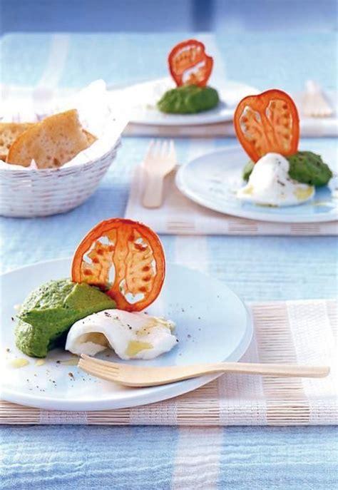 essen fingerfood mozzarella with basil puree essen und trinken