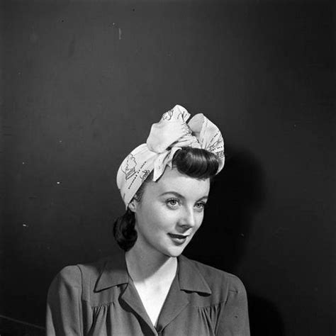 1940s Hairstyles With Scarf by 1940s Turban 1940s Hats Coats Vintage Hairstyles