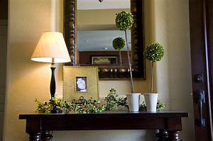 Home entryway decorating kids art decorating ideas for Foyer decoration