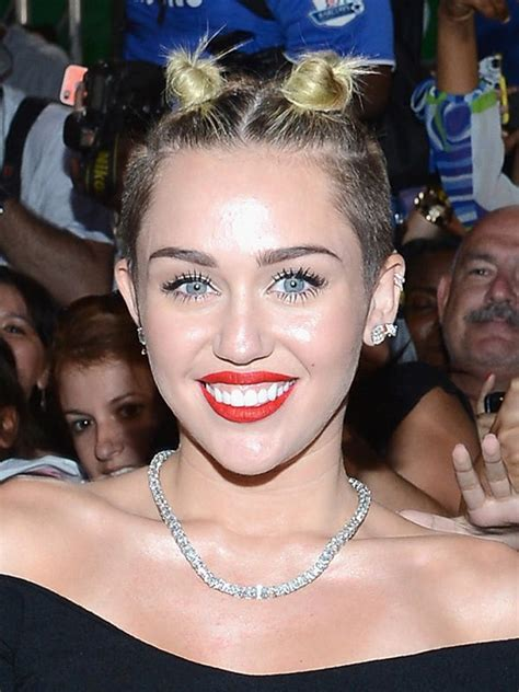 Pics Miley Cyrus Mtv Video Music Awards Look Double