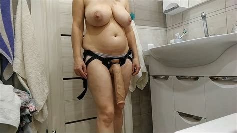 Sexy Milf Wants To Fuck Her Slave With A Huge Cock Porn 4d