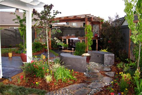 simple backyard ideas pictures  landscaping plans