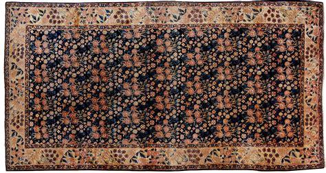 i tappeti persiani kirman tappeto kelley a mazzetti di fiori morandi tappeti