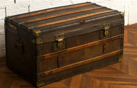 Large Bedroom Trunk by Trunk Antique Retro Vintage Diligence Wood And
