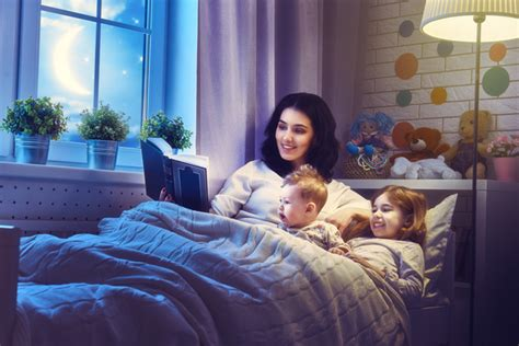 Mother Read Comic Books For Children Hd Picture-kids