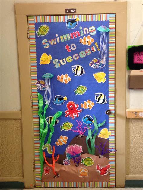 kindergarten classroom door decorations best 25 preschool door ideas on preschool