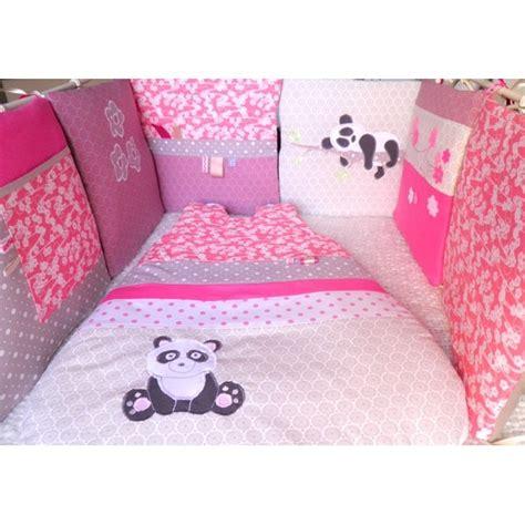 chambre bébé panda tour de lit gigoteuse fleurs pandas réalisés selon