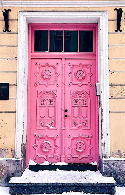 tallinn estonia doors portes puertas tueren doors
