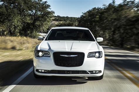 2018 Chrysler 300 Review  Autoguidecom News