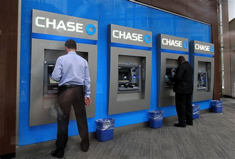 Jpmorgan Is Pulling Chase Atms From Walgreens Stores