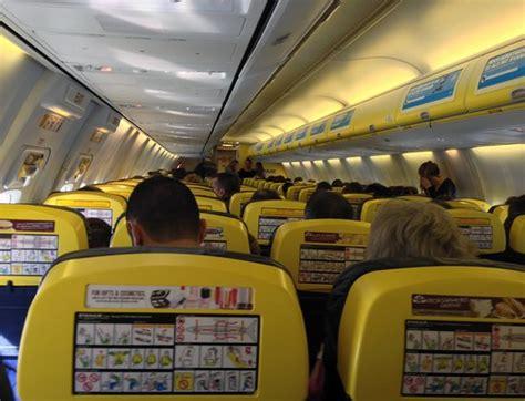 vue de l interieur vue 224 l int 233 rieur de l avion photo de ryanair monde tripadvisor