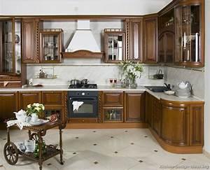 Italian kitchen design traditional style cabinets decor for Italian kitchens design