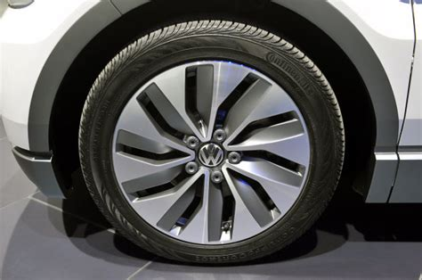 volkswagen   motion aerodynamic wheels  electric