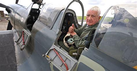 czech ww raf hero flies  spitfire  britain