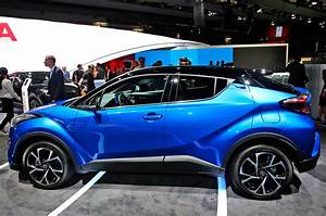 9 Unique Toyota C-HR Features From the Paris Motor Show ...