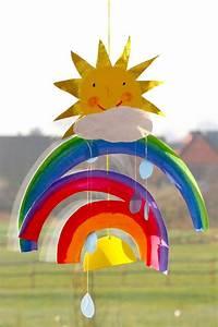 Mobile Basteln Vorlagen Papier : basteln mit kindern kostenlose bastelvorlage natur tanzender regenbogen ~ Pilothousefishingboats.com Haus und Dekorationen