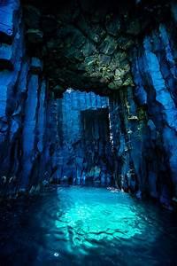 「空が透ける」神秘的な青の洞窟、台湾の無人島・西吉嶼の知られざる海蝕洞・灶籠:DDN JAPAN