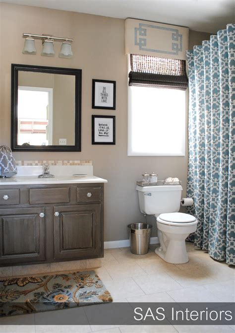 What Color Shower Curtain For A Small Bathroom by 30 Diy Transformation Projects To Add To Your Home