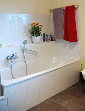 Badsanierung Acht Schritten Zum Neuen Badezimmer by Fliesen Lackieren Badewanne Streichen Schritt F 252 R