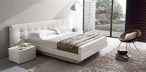 Letti moderni letti design moderni di altissima qualità per arredare con stile la camera da letto.una vasta gamma di letti moderni per arredare la camera matrimoniale rendendola unica e. Letto con contenitore
