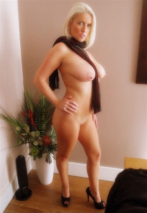 4  In Gallery Sexy British Blonde Milf Picture 3 Uploaded By Sexygirlfinder On