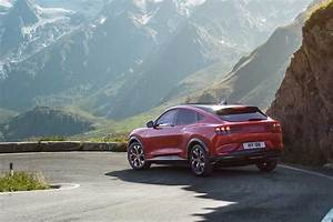 Fiche technique Ford Mustang Mach-E AWD Extended Range 2020