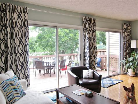 contemporary style living room with curtain rod