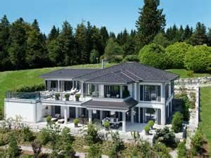 holzhaus design weberhaus klassisch wohnen luxusvilla mit panoramablick