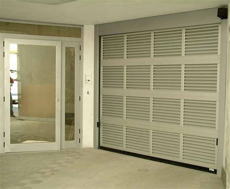 porta sezionale porta sezionale residenziale con areazione fedi automatismi