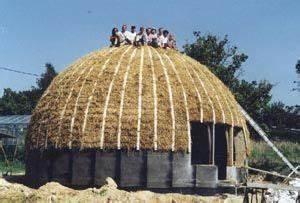Dome House Deutschland : straw bale music dome in forstmehren germany ~ Watch28wear.com Haus und Dekorationen