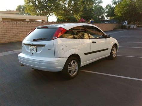 buy   ford focus zx hatchback  door  cly