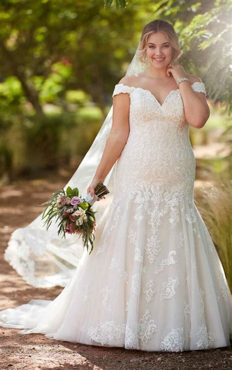 The Top 5 Plus Size Wedding Dresses Right Now Pretty