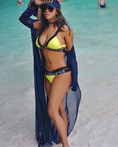 beautiful model niharikaa agarwal hot photos 2018