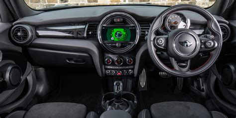 mini cooper  door hatch interior infotainment carwow