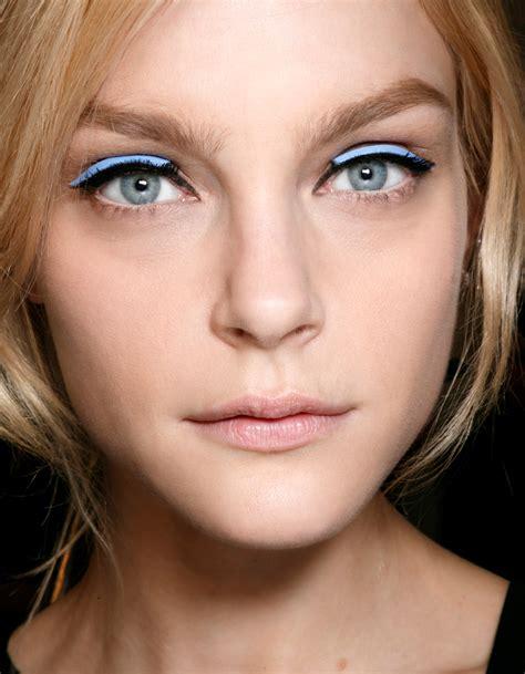 comment maquiller des yeux bleus maquillage des yeux bleus original comment maquiller des yeux bleus