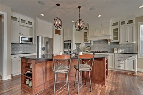 what is in style for kitchen cabinets 14 leaf wing drive oaks mn 9853