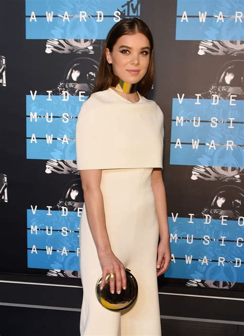HAILEE STEINFELD at MTV Video Music Awards 2015 in Los ...