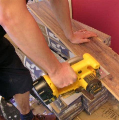 Cut Laminate Flooring With Circular Saw by Laminate Floor Cutting Laminate Floor Fitting
