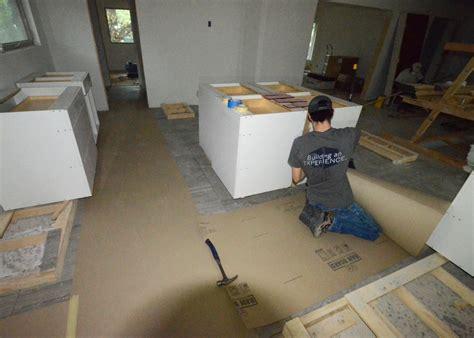 carpet for kitchen floor kitchen cabinets delivered leonhouse 5122