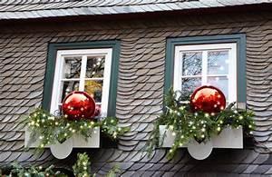 Steine Vor Der Haustür : weihnachtsdeko hauseingang tipps f r stimmungsvolle ~ A.2002-acura-tl-radio.info Haus und Dekorationen