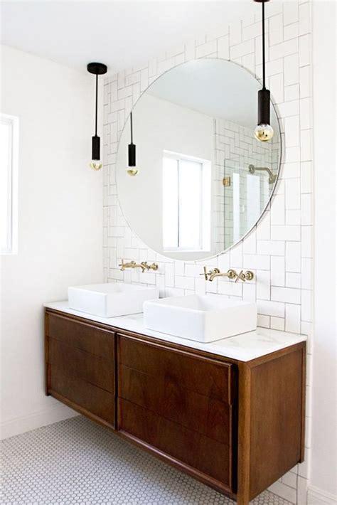 Modern White Bathroom Mirrors by Best 25 White Bathroom Mirror Ideas On Blue