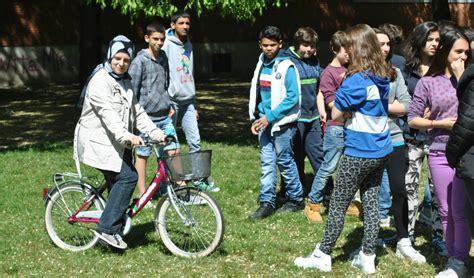 Nagham E Neermen, Le Due Studentesse Siriane Della Scuola