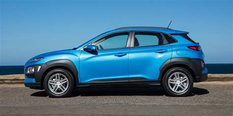 Detailed specs and features for the 2021 hyundai kona including dimensions, horsepower, engine, capacity, fuel economy, transmission, engine type, cylinders, drivetrain and more. Hyundai Kona photos - PhotoGallery with 71 pics  CarsBase.com