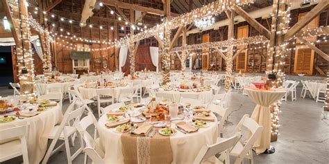 Barn Wedding Reception : Get Prices For Wedding Venues