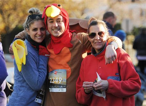 wynne wins pequot runners thanksgiving day race
