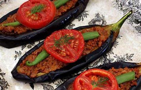 spécialité turque cuisine recette de spécialité turque karni yarik kebap avec le