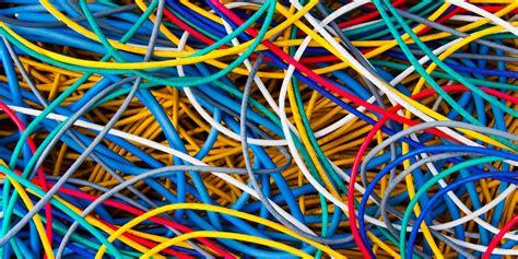 google    build   undersea internet cables