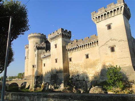 chambre d hotes dans le jura photo château de tarascon